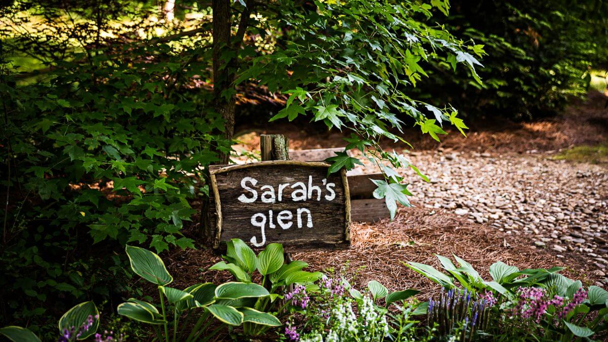 Romantic Pigeon Forge Wedding Setting Sarah's Glen Sampson's Hollow